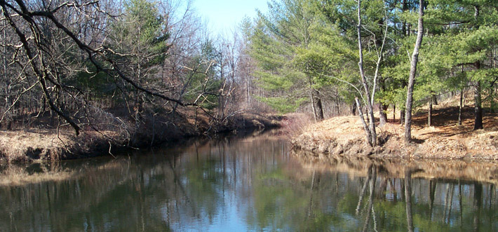 Nissitisset River near the confluence with the Nashua River
