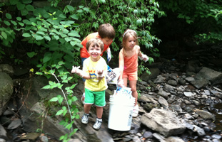 Monoosnoc Brook Greenway Project's annual brook clean-up – Photo by Richard Allardice